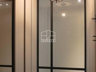 Front doors by 홍예디자인, Modern