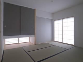 吉田法花堂の家: 萩野建築設計が手掛けた和室です。