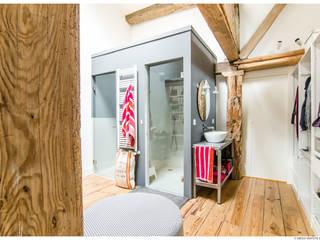 Reforma de Atico en Pamplona de TALLER VERTICAL Arquitectura + Interiorismo Minimalista