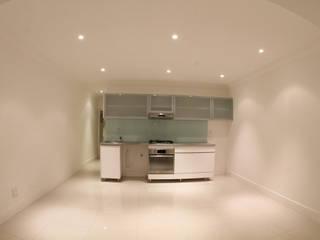 Alex Jordaan Construction 现代客厅設計點子、靈感 & 圖片