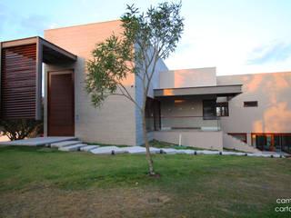 Casa 27 por Opus Arquitetura e Urbanismo Moderno