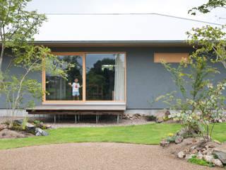 下内田の家: 横山浩之建築設計事務所が手掛けた木造住宅です。