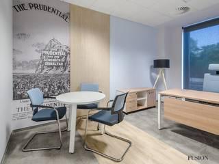 Powierzchnia biurowa dla Pramerica Życie Tour S.A. w Krakowie: styl , w kategorii Przestrzenie biurowe i magazynowe zaprojektowany przez FusionDesign