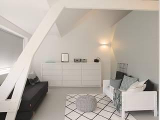 Foto Moderne woonkamers van Koen Timmer Modern