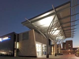 Complesso d'uffici moderni di Elphick Proome Architects Moderno