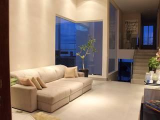 Casa H24 Interiores Salas de estar modernas por Opus Arquitetura e Urbanismo Moderno