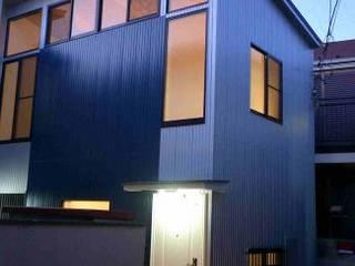 トライハウス(戸建を3戸の賃貸にリノベーション): OLC JAPAN 一級建築士事務所が手掛けた家です。