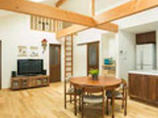茨木の家: 建築工房 感 設計事務所 が手掛けたダイニングです。,