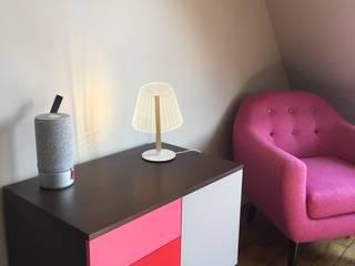 CHEZ DEEDEE, Paris: Salon de style  par NEDGIS