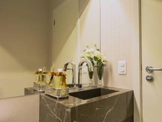 Lavabo G.G.: Banheiros  por Panatto Hilgemberg Arquitetura