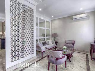 クラシックデザインの リビング の Kamala Interior クラシック