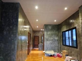 Casas unifamiliares de estilo  por ช่างณีมิตรรับซ่อมบ้านออกแบบต่อเติมรับเหมาก่อสร้าง, Moderno