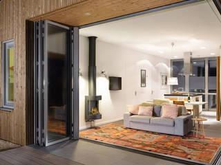 Luxe vakantiehuisje in de duinen van Vlieland Minimalistische woonkamers van BNLA architecten Minimalistisch