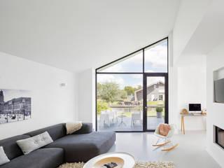 BNLA architecten Livings de estilo moderno