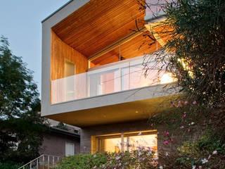 145 - Villa PS al lago di Garda: Case in stile  di depaolidefranceschibaldan architetti