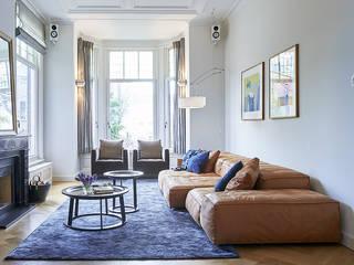 Modern ontwerp in monumentale stadswoning Moderne woonkamers van BNLA architecten Modern