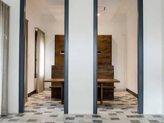149 - Appartamento MVN, ristrutturazione in centro a Padova: Soggiorno in stile  di depaolidefranceschibaldan architetti