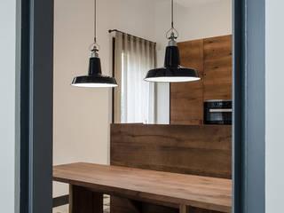 149 - Appartamento MVN, ristrutturazione in centro a Padova: Cucina in stile  di depaolidefranceschibaldan architetti
