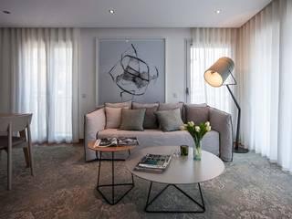 GOYA RESIDENCE: Salas de estar  por Tralhão Design Center,Moderno
