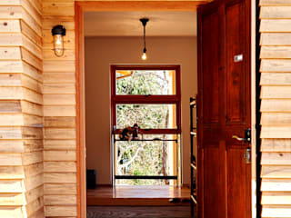 URBAN GEAR Country style doors Wood Wood effect