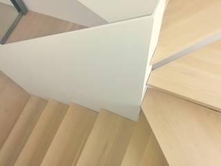 casa PG Pasillos, vestíbulos y escaleras de estilo moderno de Claudina Relat, arquitectura Moderno