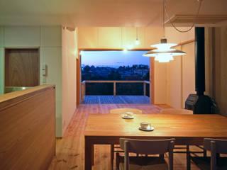 南つつじヶ丘の家【サークハウス】 モダンデザインの リビング の 樋口章建築アトリエ モダン
