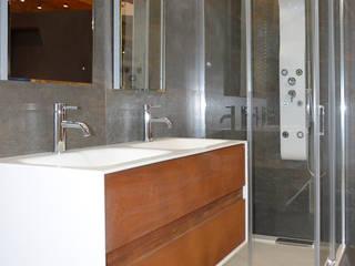 Proposta para Casa de Banho 3: Casas de banho  por Rubicer