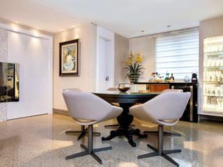 Danielle Valente Arquitetura e Interiores Modern Home Wine Cellar