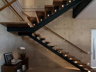FMG Monte Alegre Salas de estar minimalistas por Urbem Arquitetura Minimalista