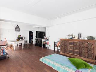 H邸-横浜で選ぶ、19畳のリビングダイニング生活 モダンデザインの リビング の 株式会社ブルースタジオ モダン
