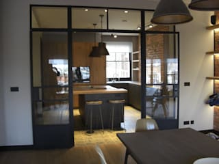 Kensington Penthouse:  Kitchen by GHK Architects