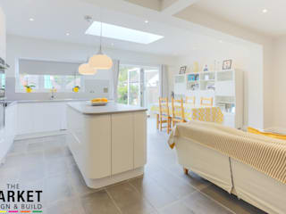 BEAUTIFUL, LIGHT KITCHEN EXTENSION IN LONDON:  Kitchen units by The Market Design & Build