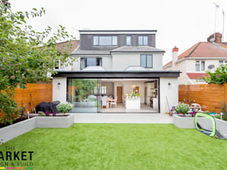STUNNING NORTH LONDON HOME EXTENSION AND LOFT CONVERSION モダンな 家 の The Market Design & Build モダン