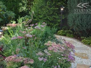 Ogród bez trawnika od Studio B architektura krajobrazu Bogumiła Bulga
