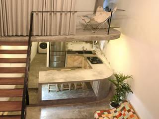 现代客厅設計點子、靈感 & 圖片 根據 NGHIA-ARCHITECT 現代風