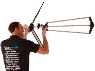 Aerial installations Minchinhampton Minchinhampton Aerials Elektronica Metaal Zwart
