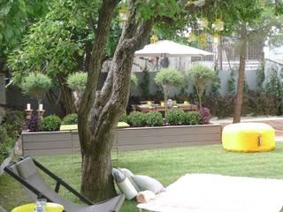 Rita Glória Interior Design unipessoal LDA Modern Garden