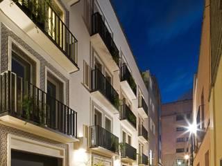 CD8: Casas de estilo  por Boué Arquitectos