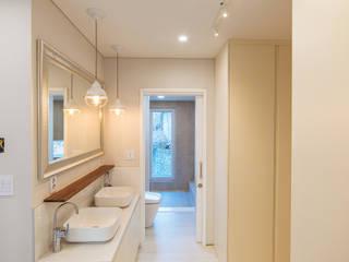 든해: AAPA건축사사무소의  욕실