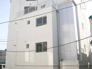 von AAPA건축사사무소 Modern