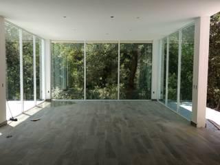 Casa en bosque. Montemorelos: Casas de estilo  por OR Arquitectura y Construcción
