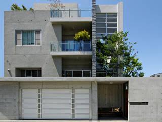 台南12號住宅 現代房屋設計點子、靈感 & 圖片 根據 築青室內裝修有限公司 現代風