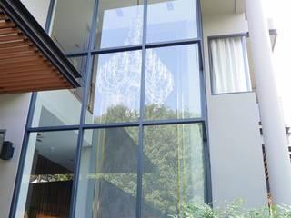 Ekamai House(Curtain-Wallpaper):   by Fit Design Studio