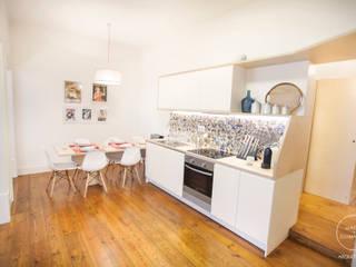 Apartamento Chiado: Cozinhas  por Matos + Guimarães Arquitectos,Moderno