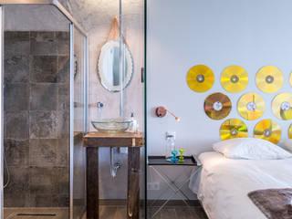 Renovação de Apartamento em Vilamoura: Quartos  por CORE Architects,Moderno