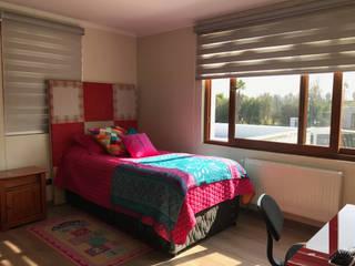 Casa El Golf: Dormitorios de estilo moderno por AtelierStudio