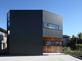 plug *studio LOOP 建築設計事務所 Casas de madera