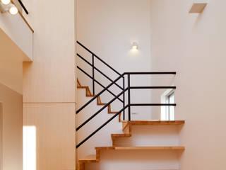 シカクの家: 株式会社田渕建築設計事務所が手掛けた階段です。,