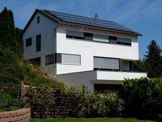 Neubau Wohnhaus Sulzbach:  Einfamilienhaus von Resonator Coop Architektur + Design,