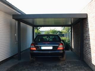 Carport-Schmiede GmbH & Co. KG - Hersteller für Metallcarports und Stahlcarports auf Maß Modern Garage and Shed Iron/Steel Grey